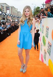 Ana Mulvoy Ten was summery at the Kids' Choice Awards in this fit-and-flare sky blue dress.