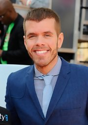 Perez Hilton's jacket and tie combo, in two shades of blue, was a dapper choice for the Kids' Choice Awards.