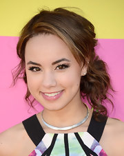 Savannah Jayde chose a slightly, messy, bobby pined updo for her casual but pretty look at the KCAs.