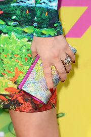 A multi-color, crystal clutch gave Fergie a touch of bedazzled glam.