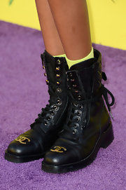 Willow Smith showed that combat boots and totally be red carpet-appropriate.