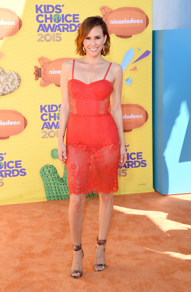 Keltie Knight sealed off her ensemble with a pair of printed ankle-cuff sandals.
