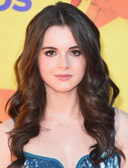 Vanessa Marano looked oh-so-pretty with her bouncy waves at the Kids' Choice Awards.