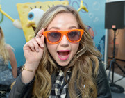 Bella and the Bulldogs star Brec Bassinger sported a pair of bright orange sunnies.
