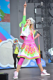 JoJo Siwa teamed a graphic mini skirt with a matching cropped jacket for her performance at Nickelodeon's SlimeFest.