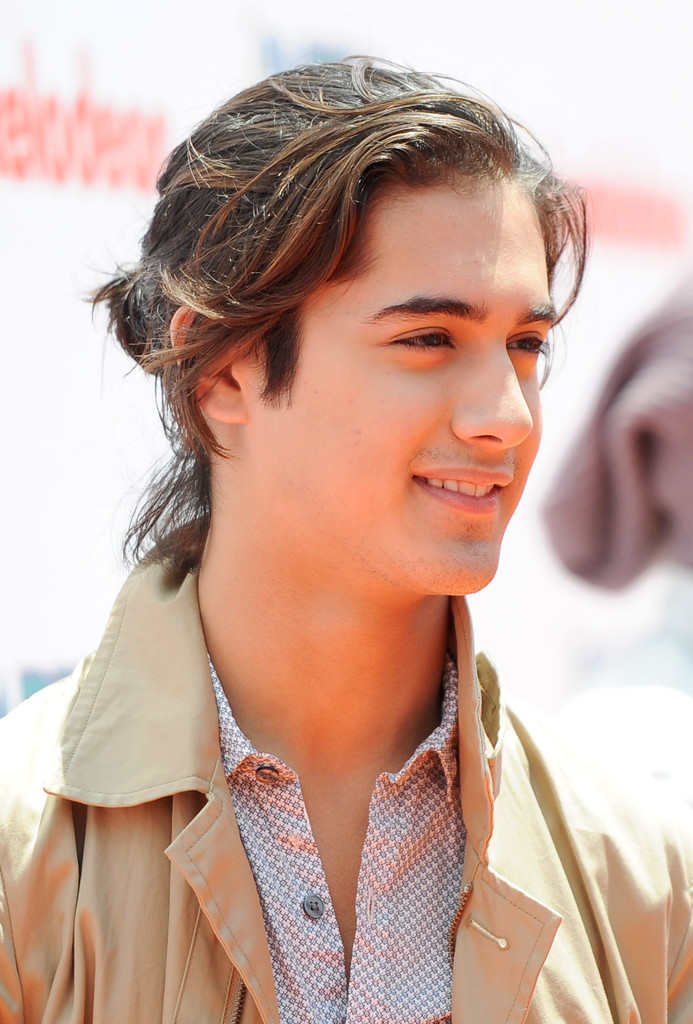 More Pics Of Avan Jogia Trenchcoat 2 Of 20 Clothes Lookbook Stylebistro