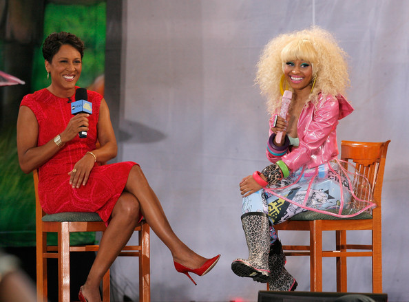 Robin Roberts' red pointy pumps looked dangerously high but super fashionable.