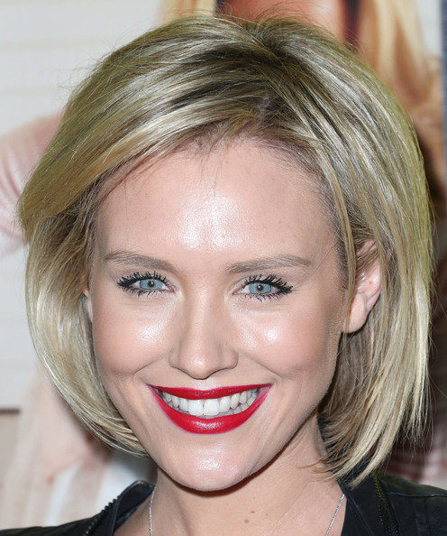 Nicky Whelan Bob [movie 43,hair,face,eyebrow,hairstyle,blond,lip,chin,forehead,head,nose,arrivals,nicky whelan,california,hollywood,tcl chinese theatre,relativity media,premiere of relativity media,premiere]