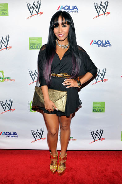 Nicole Polizzi Envelope Clutch [clothing,red carpet,carpet,hairstyle,fashion,flooring,footwear,shoe,black hair,long hair,wwe superstars,nicole ``snookie polizzi,sandy relief,wall street,new york city,wwe superstars for sandy relief,cipriani]