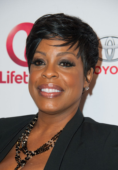 Niecy Nash Pixie [hair,face,hairstyle,eyebrow,forehead,black hair,chin,lip,smile,pixie cut,arrivals,niecy nash,whitney,beverly hills,california,the paley center for media,premiere of lifetime,premiere]