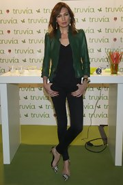 Nieves Alvarez opted for black skinny pants for a casual appearance at Madrid Fashion Week.