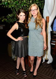Anna Kendrick teamed her top with a billowy gray leather skirt, also by Alice + Olivia, for a more feminine finish.