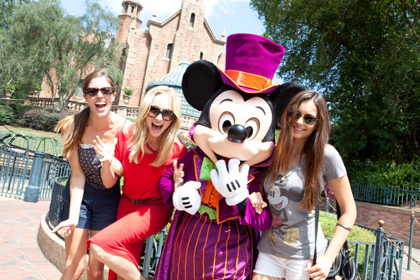 Vampire Diaries Stars Get Ready For Halloween At Disney World In Florida