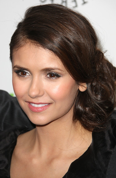 Nina Dobrev Metallic Eyeshadow