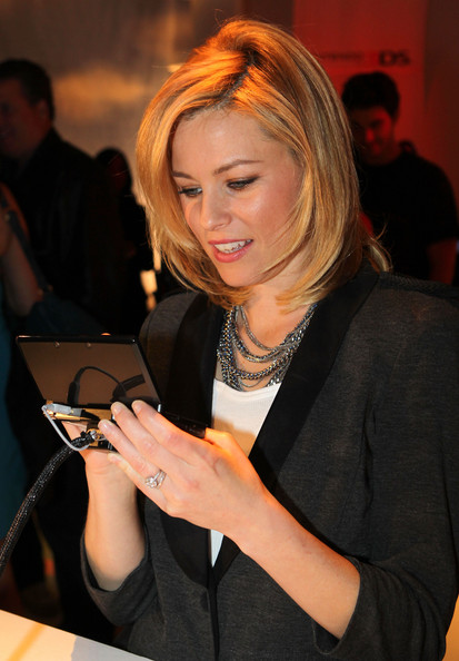 More Pics of Elizabeth Banks Blazer (1 of 14) - Outerwear Lookbook - StyleBistro [nintendo hosts exclusive launch event,blond,event,layered hair,long hair,brown hair,nintendo 3ds,elizabeth banks,hollywood,california,siren studios,launch event]