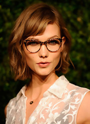 Karlie's short bob featured side-swept bangs and a slight wave at the CFDA Awards.