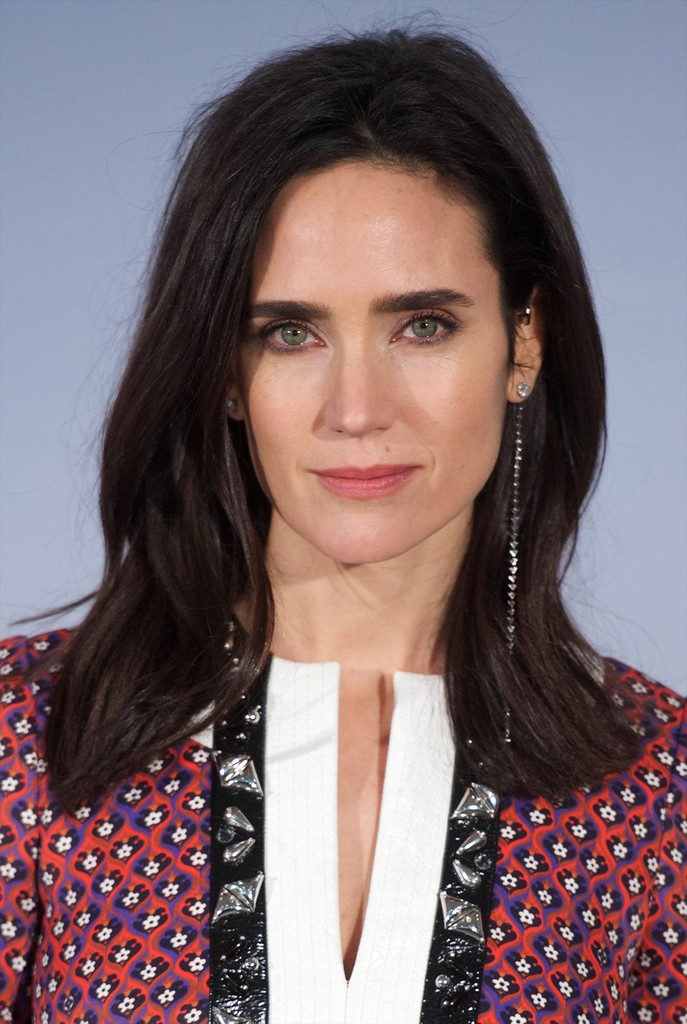 Jennifer Connelly S Side Parted Cut Medium Length