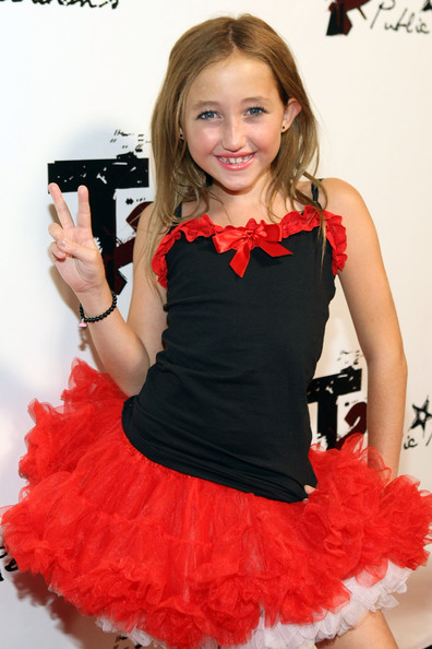 Noah Cyrus Beaded Bracelet [clothing,red,dress,costume,cocktail dress,ruffle,child model,formal wear,fashion accessory,long hair,arrivals,noah cyrus,2009 teen choice awards,totally texty teen choice awards,hollywood,california,pre-party]