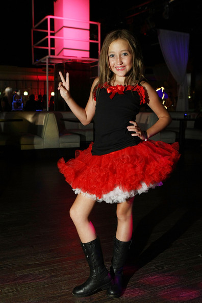 Noah Cyrus Camisole [clothing,red,fashion,pink,costume,fun,leg,performance,dress,footwear,arrivals,noah cyrus,2009 teen choice awards,totally texty teen choice awards,hollywood,california,pre-party]