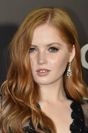 Ellie Bamber accessorized with a lovely pair of De Beers diamond chandelier earrings at the New York premiere of 'Nocturnal Animals.'