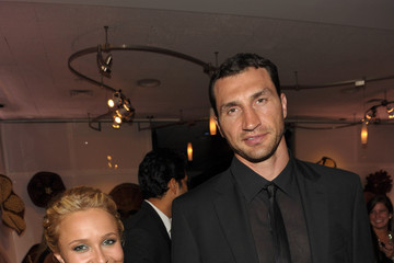 Hayden Panettiere Wladimir Klitschko North America FILER Bucket - Ent