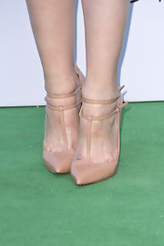 Hayley Atwell chose a classic nude T-strap pump for the Novak Djokovic Foundation Dinner.