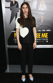 Zosia paired her cool black and white blouse with a pair of black skinny pants for a simple but chic look while at the 'Now You See Me' premiere in NYC.
