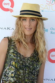 Kim Raver topped off her Saturday beach-inspired look with a straw fedora.