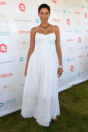 Nicole's bustier white maxi featured a flowing white skirt just great for a breezy summer night.