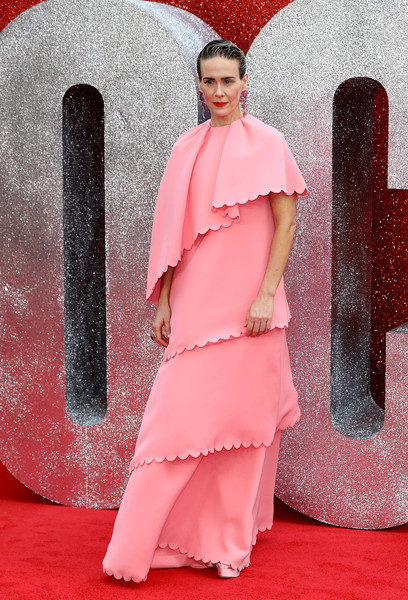Sarah Paulson looked vintage-glam in a tiered, scalloped pink gown by Valentino at the UK premiere of 'Ocean's 8.'