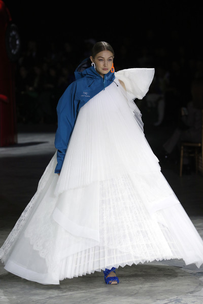 More Pics of Gigi Hadid Strappy Sandals (1 of 10) - Strappy Sandals Lookbook - StyleBistro [white,dress,clothing,blue,fashion,hoopskirt,gown,lady,haute couture,outerwear,gown,gigi hadid,haute couture,fashion,part,runway,white,runway,paris fashion week womenswear fall,show,wedding dress,fashion,fashion show,haute couture,runway,model,gown,wedding,two pence]