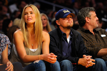 Leonardo DiCaprio Bar Refaeli Oklahoma City Thunder v Los Angeles Lakers, Game 5