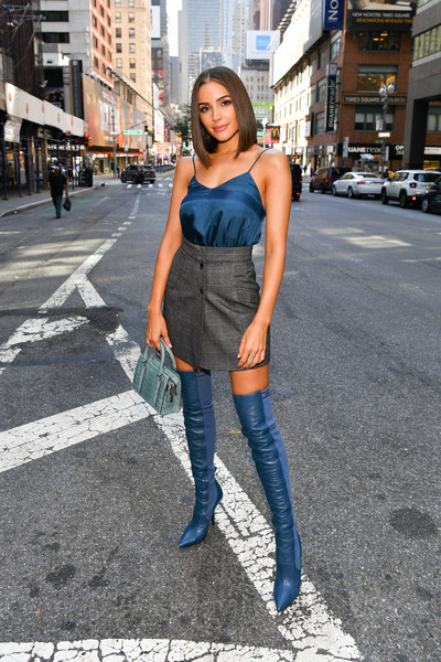 Olivia Culpo Mini Skirt [olivia culpo,extra,clothing,photograph,jeans,denim,street fashion,fashion,shoulder,snapshot,footwear,beauty,new york city]
