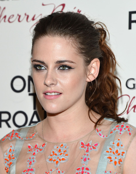 More Pics of Kristen Stewart Cocktail Dress (1 of 25) - Kristen Stewart Lookbook - StyleBistro