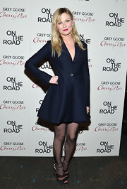 Kirsten was such a retro doll in this navy flared coat-dress at the 'On the Road' NY premiere.