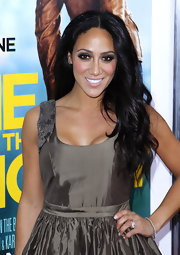 Melissa Gorga wore dark neutral shades of eyeshadow and long feathery lashes at the premiere of 'One for the Money.'