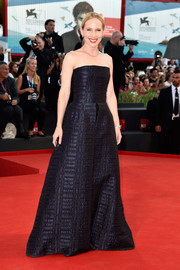 Amy Ryan exuded effortless elegance in a textured black strapless gown during the Venice Film Festival opening ceremony.