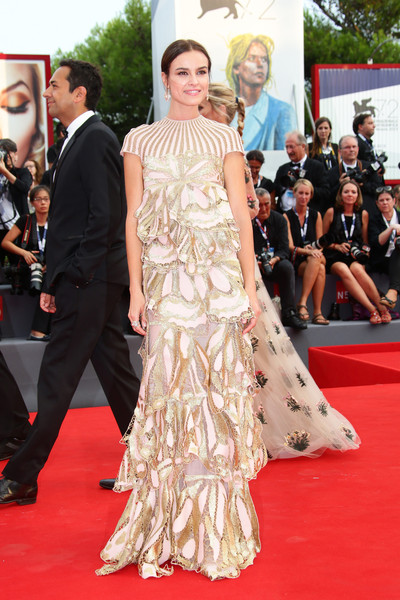 Kasia Smutniak got all dolled up in this Valentino confection, boasting tiers of ultra-feminine embroidered panels, for the Venice Film Festival opening ceremony.