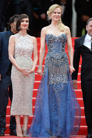 Nicole Kidman looked absolutely dreamy in an intricately beaded periwinkle strapless gown by Armani Prive at the 'Grace of Monaco' premiere.