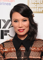 Wendi Deng had her mid-length hair side-swept for the opening night gala presentation of 'Life of Pi.'