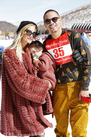 Ashlee Simpson attended Operation Smile's Celebrity Ski & Smile Challenge wearing a chic antique-rose fur coat.