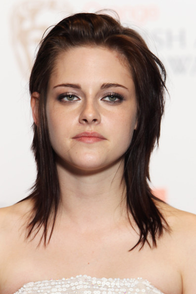 More Pics of Kristen Stewart Medium Layered Cut (1 of 8) - Kristen Stewart Lookbook - StyleBistro