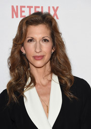 Alysia Reiner showed off lovely, lush waves at the Orangecon fan event.