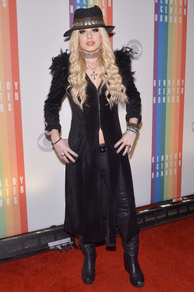 Orianthi Evening Coat [clothing,outerwear,footwear,fur,knee-high boot,carpet,hat,costume,flooring,fedora,orianthi,red carpet,kennedy center honors,washington dc,kennedy center,kennedy center honors gala,gala]