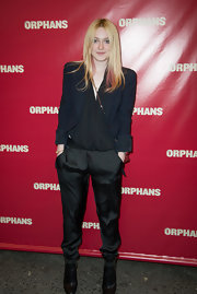 A structured navy blazer topped of Dakota Fanning's stylish evening look at the opening night of 'Orphans.'
