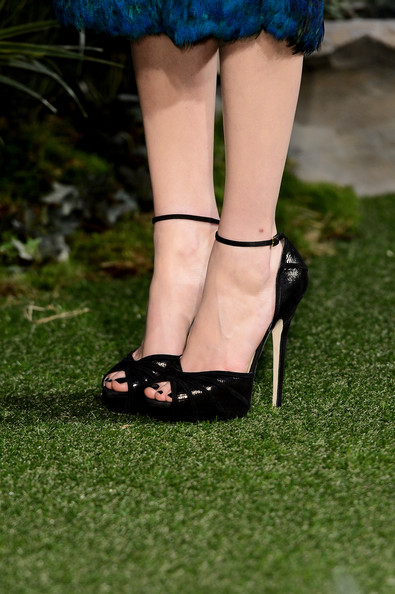 More Pics of Michelle Williams Peep Toe Pumps (1 of 14) - Peep Toe Pumps Lookbook - StyleBistro