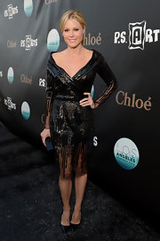 Julie Bowen simply sparkled in this black sequined dress that featured an off-the-shoulder neckline.