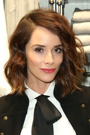 Abigail Spencer looked super sweet wearing this wavy 'do at the Polo Ralph Lauren + Athlete Ally event.