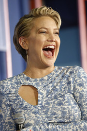 Kate Hudson looked cute and breezy wearing this short side-parted hairstyle on day 1 of Popsugar Play/Ground.