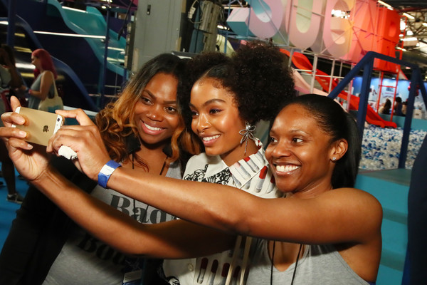 More Pics of Yara Shahidi Flat Boots (1 of 36) - Boots Lookbook - StyleBistro [event,fun,party,youth,selfie,friendship,photography,smile,leisure,crowd,yara shahidi,popsugar play,popsugar play/ground,ground,new york city]